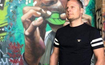 Steve Husistein – Personal Trainer und Hypnosetherapeut im VW Bus|CAMPER NOMADS PORTRAIT