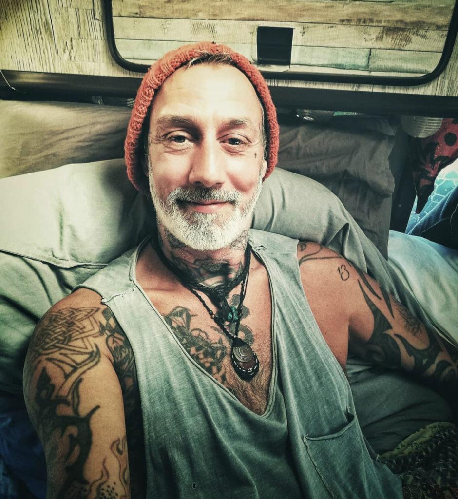 Tattoo Surfnomad  - Justin Eaton unterwegs in Portugal